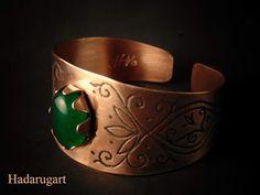 Hadarugart: Bratara din cupru cu piatra verde Copper Bracelet, Cuff Bracelets, Copper Artwork, Handmade, Email, Jewelry, Romania, Artist, Green