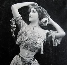 Antique theatre photo postcard Lola Montes