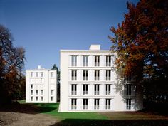 Goetz Castroph - Fontavia park villas, which have a beautiful relationship with an existing historic building on the site, Bad Tölz 2008.