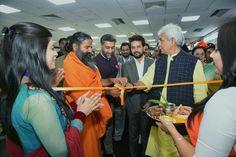 हरिद्वार से'हर द्वार' की ई-कॉमर्स पहल के बाद , Patanjali Products - पतंजलि उत्पाद 'समुद्र पार' पहुँचने के लिए तैयार है.. मनोज सिन्हा जी और Anurag Thakur जी के साथ नई दिल्ली हवाईअड्डे के टर्मिनल टी-2 पर पतंजलि स्टोर का उद्घाटन.. अब देश -विदेश में यात्री पा सकेंगे हमारे उत्पाद 100 से ज्यादा हवाईअड्डों पर #PatanjaliOnline