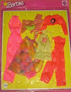1977 Barbie - (SuperStar Fashions) #