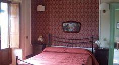 Casina Di Grotta Di Ferro - 3 Star #CountryHouses - $75 - #Hotels #Italy #SantaCroceCamerina http://www.justigo.co.za/hotels/italy/santa-croce-camerina/casina-di-grotta-di-ferro_153418.html