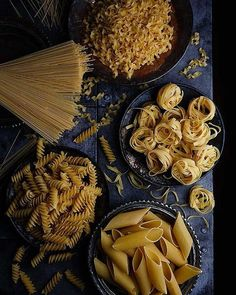 Ideas Photography Food Styling Pasta For 2019 - Beautiful Food Photography + Styling - Antipasto, Food Styling, Dark Food Photography, Photography Classes, Photography Photos, Pasta Salat, Restaurant Recipes, Food Design, Food Pictures