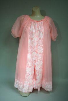 Vintage 1950s PEACH 3-Piece BABYDOLL Peignoir Nightgown Set