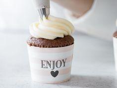 Törtchen fürs Herz: So backst du den perfekten Cupcake