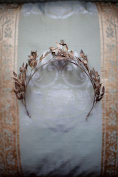 Edwardian bridal crown.  Photography by  Amanda Thomsen + Camilla Jørvad + Tine Hvolby