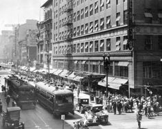 A look at Walter's Department Store at the corner of Broadway and Fifth St. in Los Angeles (1920s).