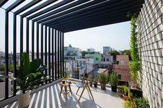 【越南MM++ Architects】聰明百葉窗設計為單面採光住宅滿載日光 焦點話題 | 愛設計A+Design線上誌 - 室內設計平台