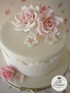 Inspiration for this cake came from the super talented Cotton & Crumbs. My roses are nowhere near as good as hers but fortunately I am taking a rose class with Tracy soon so then they might improve :) Pretty Cakes, Beautiful Cakes, Amazing Cakes, Beautiful Boys, Fondant Cakes, Cupcake Cakes, Cupcakes, 80 Birthday Cake, Mini Wedding Cakes