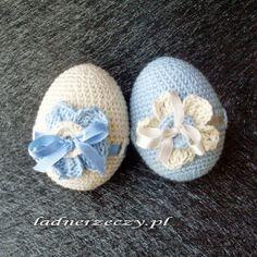 crocheted eggs Easter Crochet, Crochet Toys, Egg Decorating, Easter Eggs, Easter Cake, Happy Easter, Kids, Handmade, Easter Chick