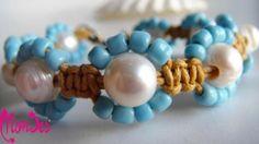 Woman collection-Pulsera realizada con cordón algodón cámel, trenzado doble cruzado, perlas de río cultivadas, pedreria de vidrio color turquesa, cierre mosquetón