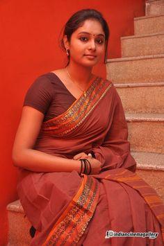 Cine Gallery: Actress Arundhati Beautiful Stills In Saree Beautiful Girl In India, Most Beautiful Indian Actress, Beautiful Girl Image, Beautiful Saree, Beautiful Women, Beauty Full Girl, Cute Beauty, Beauty Women, Beauty Girls