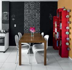 Amei  tudo, adorei as cores e detalhes.... //  02-desenhos-feitos-a-mao-personalizam-a-parede-desta-copa