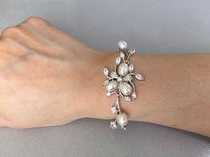 Cubic zirconia ovale parel armband, bruids armband, armband van de bruiloft, bruids juwelen, huwelijksjuwelen, verlof gevormd, bloem vorm armband