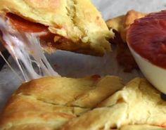 Pizza liefhebbers opgelet: Deze pizza ring van croissant deeg is echt onweerstaanbaar! - Zelfmaak ideetjes