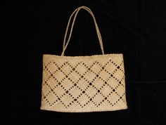 Kete Whakapuareare Flax Weaving, Basket Weaving, Sisal, Maori People, Maori Designs, New Zealand Art, Maori Art, Art Diary, Weaving Patterns