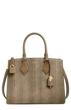 Guess Shopper »Bobbie Inside out«, mit goldfarbenen Details online kaufen | OTTO