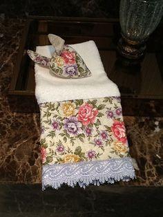 toalha de lavabo e sachê