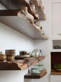 Simple and Ridiculous Tricks Can Change Your Life: Natural Home Decor Earth Tones Green natural home decor kitchen.Natural Home Decor Diy Dreams natural home decor boho chic.Natural Home Decor Modern Plants. Diy Wood Shelves, Floating Shelves, Rustic Wood Shelving, Wood Storage, Home Decor Kitchen, Diy Home Decor, Kitchen Plants, Room Decor, Diy Kitchen
