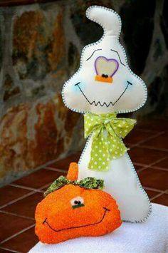 Awww how cute Halloween Quilts, Moldes Halloween, Adornos Halloween, Halloween Sewing, Manualidades Halloween, Fall Sewing, Halloween 1, Halloween Patterns, Halloween Ornaments
