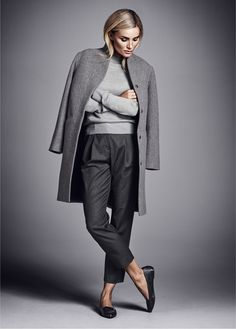 Ways To Wear Grey and outfit ideas - - Minimal Classic Grey Women's Winter Chic Street Fashion - Winter Chic, Fashion Mode, Work Fashion, Fashion Trends, Street Fashion, Luxury Fashion, 50 Fashion, Womens Fashion, Trendy Fashion