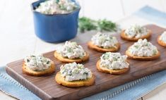 Use this rich and tangy tuna spread to fill sandwiches or serve with bagel chips for a quick Fish Recipes, Appetizer Recipes, Appetizers, Greek Yogurt Tuna Salad, Bagel Chips, How To Eat Better, Cooking Recipes, Healthy Recipes, Wrap Sandwiches