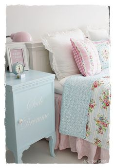 Shabby Chic Home Decor Shabby Chic Bedrooms, Shabby Chic Cottage, Shabby Chic Style, Shabby Chic Decor, Cottage Style, Home Bedroom, Girls Bedroom, Summer Bedroom, Decor Room