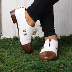 Women's Oxford Shoes Cap Toe X Stitching Vintage Loafers – cuteshoeswear loafers for women how to wear loafers loafers outfit work loafers outfit fall loafers with socks Loafers With Socks, How To Wear Loafers, Loafers Outfit, Oxford Shoes Outfit, Women Oxford Shoes, Loafers For Women, Women's Loafers, Oxfords, Oxford