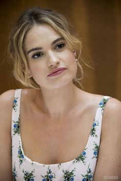 Here We Go Again' Press Conference – 001 – Lily James Online / Photo Archive 'Mamma Mia! Here We Go Again' Press Conference – 001 – Lily James Online / Photo Archive Downton Abbey, Pretty People, Beautiful People, Actress Lily James, Mamma Mia, British Actresses, Avril Lavigne, Models, Woman Crush