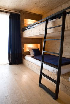Bunk beds - Trendy Home Decorations Cool Bunk Beds, Bunk Beds With Stairs, Kids Bunk Beds, Bunk Bed Ladder, Adult Bunk Beds, Dormitory Room, Built In Bunks, Bunk Rooms, Bedrooms
