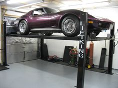 wallpapergif: Things To Consider Before Purchasing An Auto Lift like the Lift King Garage Car Lift, Garage Shop, Dream Garage, Lifted Cars, Car Storage, Car Shop, Car Wash, Garages, Auto Lift
