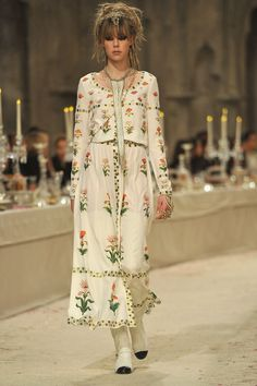 Check Out Chanel's Exotic Pre-Fall 2012 Collection Photo 2