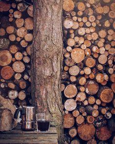 coffee time! . . . #cabinporn #cabin #domek #coffee #morningcoffee #coffeeandseasons #coffeelover #coffeetime #coffeelove #coffeeshots…