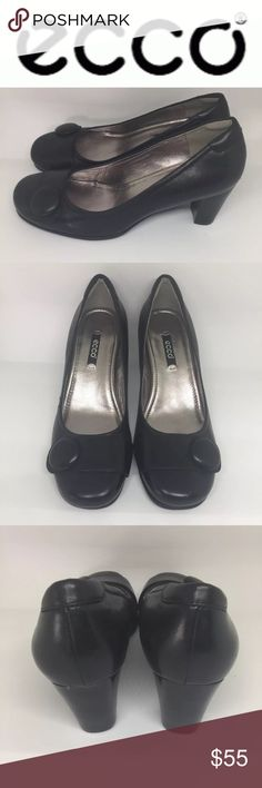 """ECCO Hannah Pumps ECCO Womens Size 37 US 7 Hanna Black Leather Button Tab Thick Heels Pumps Shoes. Oversized button tab adorns the toe of a versatile pump fashioned with a thick heel and foam-cushioned footbed for walkable comfort. Approx. heel height: 2 1/4"""". Leather upper and lining/rubber sole. By ECCO; imported. Women's Shoes.  Shoes are in excellent condition and have minor overall wear. Ecco Shoes Heels"""