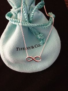 Infinity necklace from Tiffany...I want. Tiffany Infinity Necklace, Tiffany And Co Necklace, Tiffany Bracelets, Bling Bling, My Wallet, Valentino Rockstud, Kinds Of Shoes, Tiffany & Co., Jewelry Box