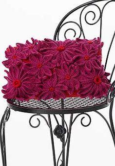 Petal Pillow: free pattern