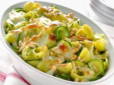 WW Zucchini Light Pasta Gratin - Main Course and Recipe - recettes legeres - Salad Recipes Healthy Vegetarian Snacks, Healthy Breakfast Recipes, Easy Healthy Recipes, Vegetarian Nuggets, Kids Cooking Recipes, Dinner Recipes For Kids, Easy Snacks, Easy Meals, Kids Meals