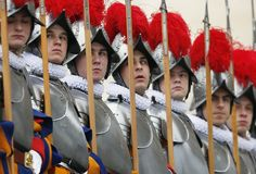 The Vatican has contracted a family of blacksmiths in an Austrian village to manufacture 80 new sets of armor in a project that will take seven years to complete. Most of the existing armor worn by the Vatican's Swiss Guard dates back at least 1 Austrian Village, Swiss Guard, New Pope, Catholic Beliefs, Blacksmith Forge, Pope Benedict Xvi, Suit Of Armor, Men In Uniform, Vatican City
