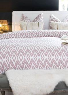 »Boho Dream«  #westwing#westwingnow#home#living#interior#inspiration#homesweethome#interiordesign#deliafischer#tischleuchte#palm#kissen#bedroom#schlafzimmer#