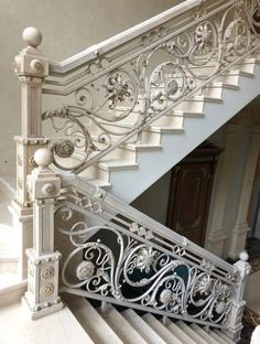 44 ideas for wrought iron stairs railing banisters Wrought Iron Stair Railing, Stair Railing Design, Stair Decor, Railing Ideas, Rustic Stairs, Wooden Stairs, Painted Staircases, Iron Balcony, Banisters