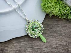Zöld gyöngyös csillogó nyaklánc
