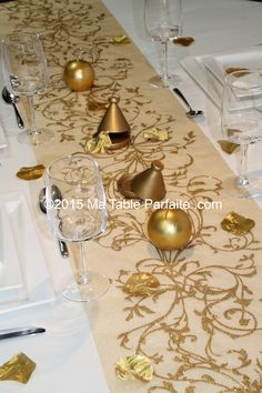 D co de table or orientale chic on pinterest marque for Deco de table orientale