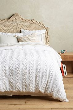 Discover unique white bedding at Anthropologie to complete your bedroom. Shop our white bedroom sets including the seasons newest arrivals. White Duvet Bedding, Chevron Bedding, White Duvet Covers, Luxury Bedding, Linen Duvet, Comforter Sets, King Comforter, Bedrooms, Ideas