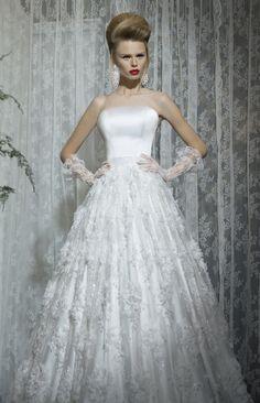 Beautiful dresses by Galit Robinik http://www.weddingthingz.com/1/post/2013/05/wedding-dress-wednesday-galit-robinik.html