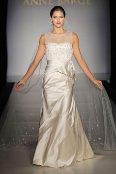 Elegant sleeveless trumpet / mermaid floor-length bridal gowns