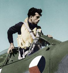 František Mareš Air Force Aircraft, Ww2 Aircraft, Vintage Comic Books, Vintage Comics, War Thunder, War Image, Supermarine Spitfire, Ww2 Planes, Fighter Pilot