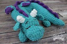 Travel Pillow: Dragon Add-On pattern by Croch-Eh Patch - pillow Crochet Gifts, Crochet Dolls, Crochet Yarn, Crochet Feather, Chrochet, Crochet Cushions, Crochet Pillow, Hobbies For Girls, Cheap Hobbies