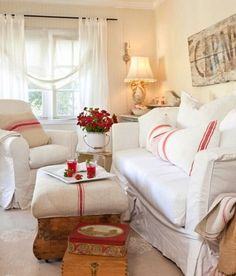 French Shabby Chic Living Design Ideas, Pictures, Remodel and Decor Cottage Style Living Room, Style Cottage, My Living Room, Living Room Decor, Cottage Design, Country Living, Red Cottage, Cozy Cottage, Cozy Living
