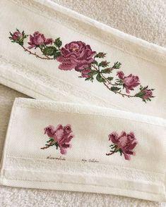 Iyi akşamlar çok yoğun geçen günün ardından bir analı kuzu fotosu koymak istedim... . . . . . #etamin #çarpıişi #kanaviçe #kanava #havlu… Embroidered Towels, Beaded Purses, Diy And Crafts, Cross Stitch, Embroidery, Floral, Instagram, Bath Linens, Cross Stitch Embroidery