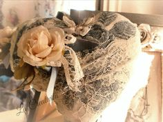 Cuore  rose  e pizzo  in style shabby chic